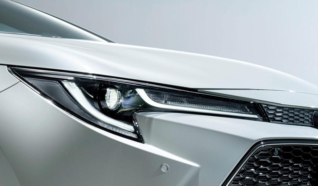 2020 Toyota Corolla Altis Elegance LED headlamp