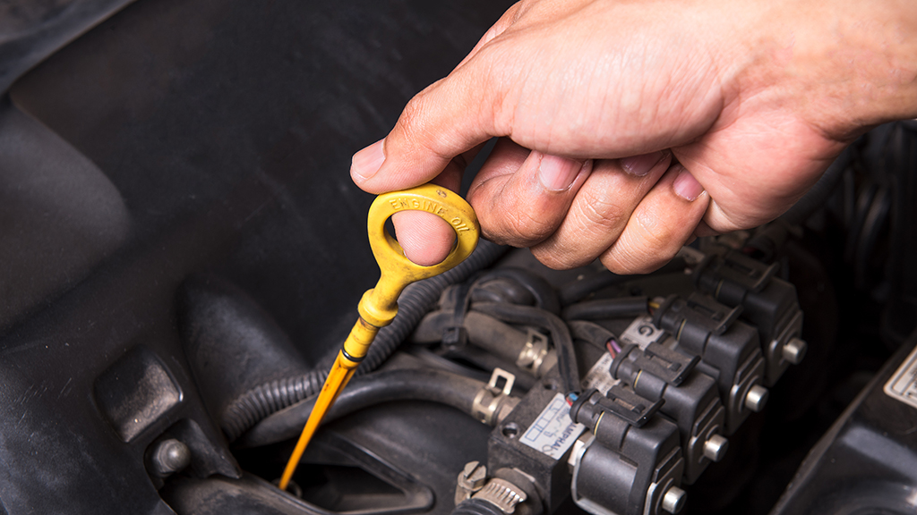 Maintaining your car at home | Engine fluid check and topup