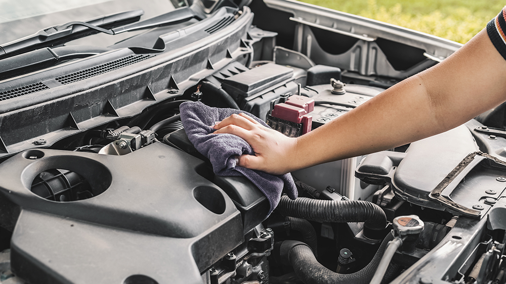 Maintaining your car at home | Engine bay cleaning