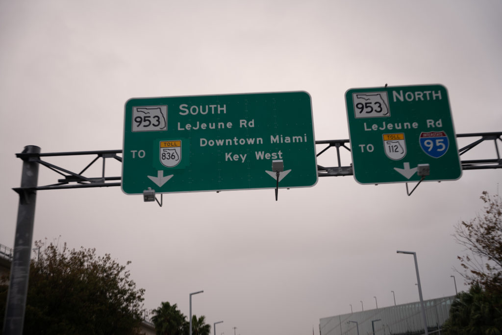 Interstate freeway signs in Florida – AutoApp
