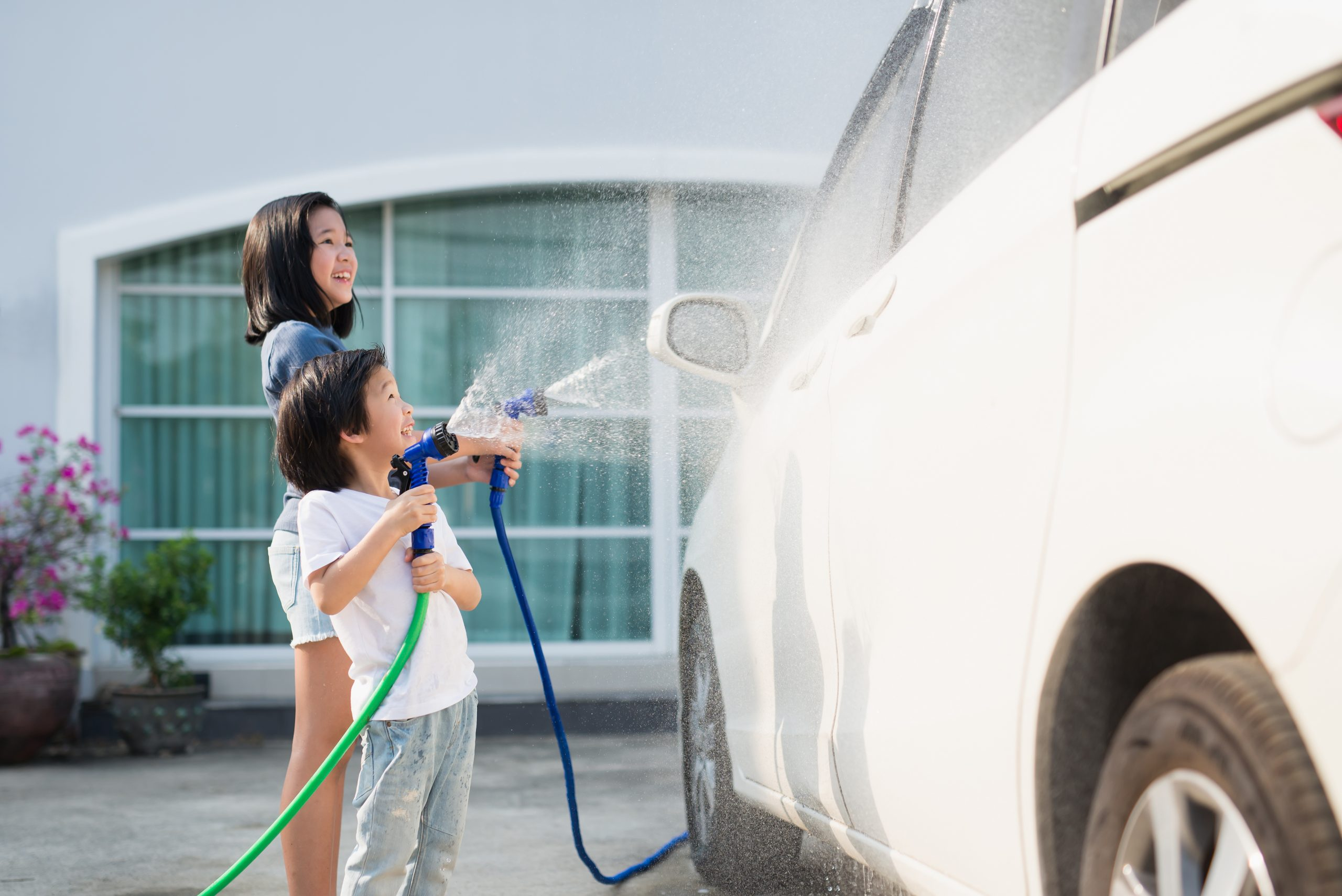 TURBO TOTS: Car cleaning hacks for parents