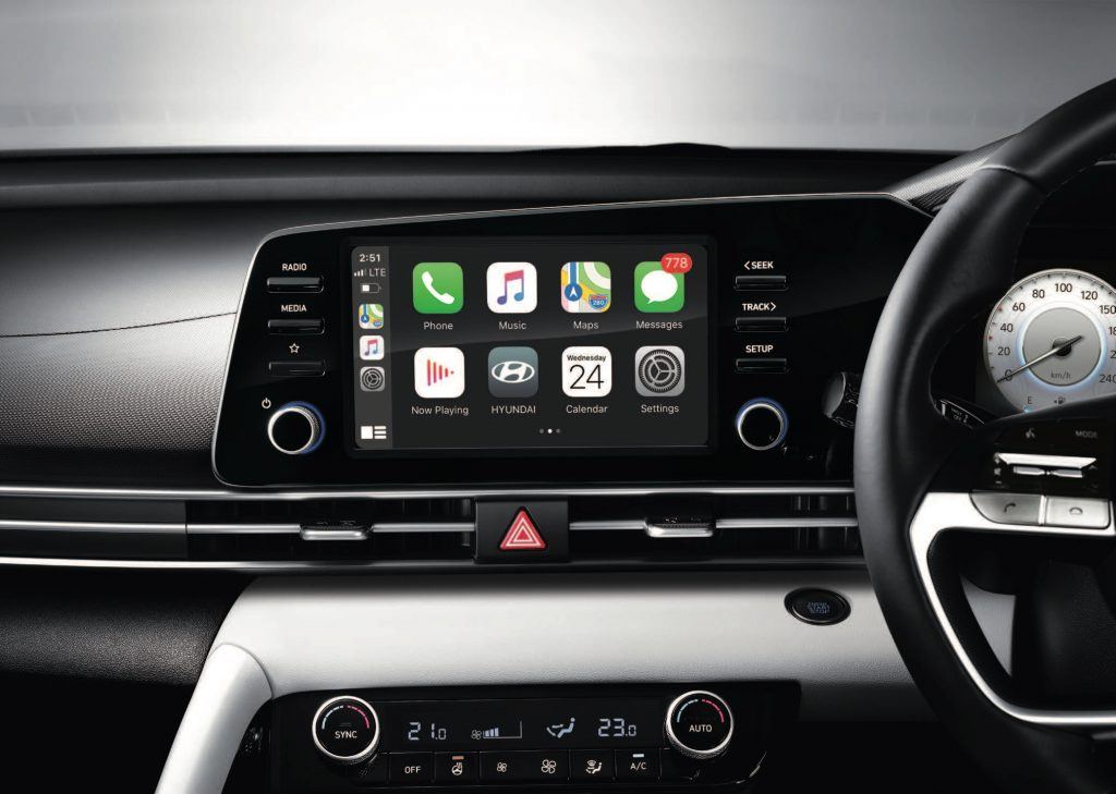 Apple CarPlay display in the 2021 Hyundai Avante (Elantra).