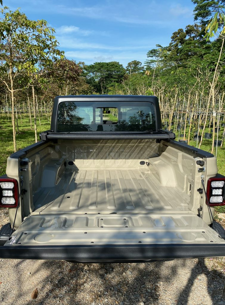 Flatbed of a 2020 Jeep Gladiator Overland