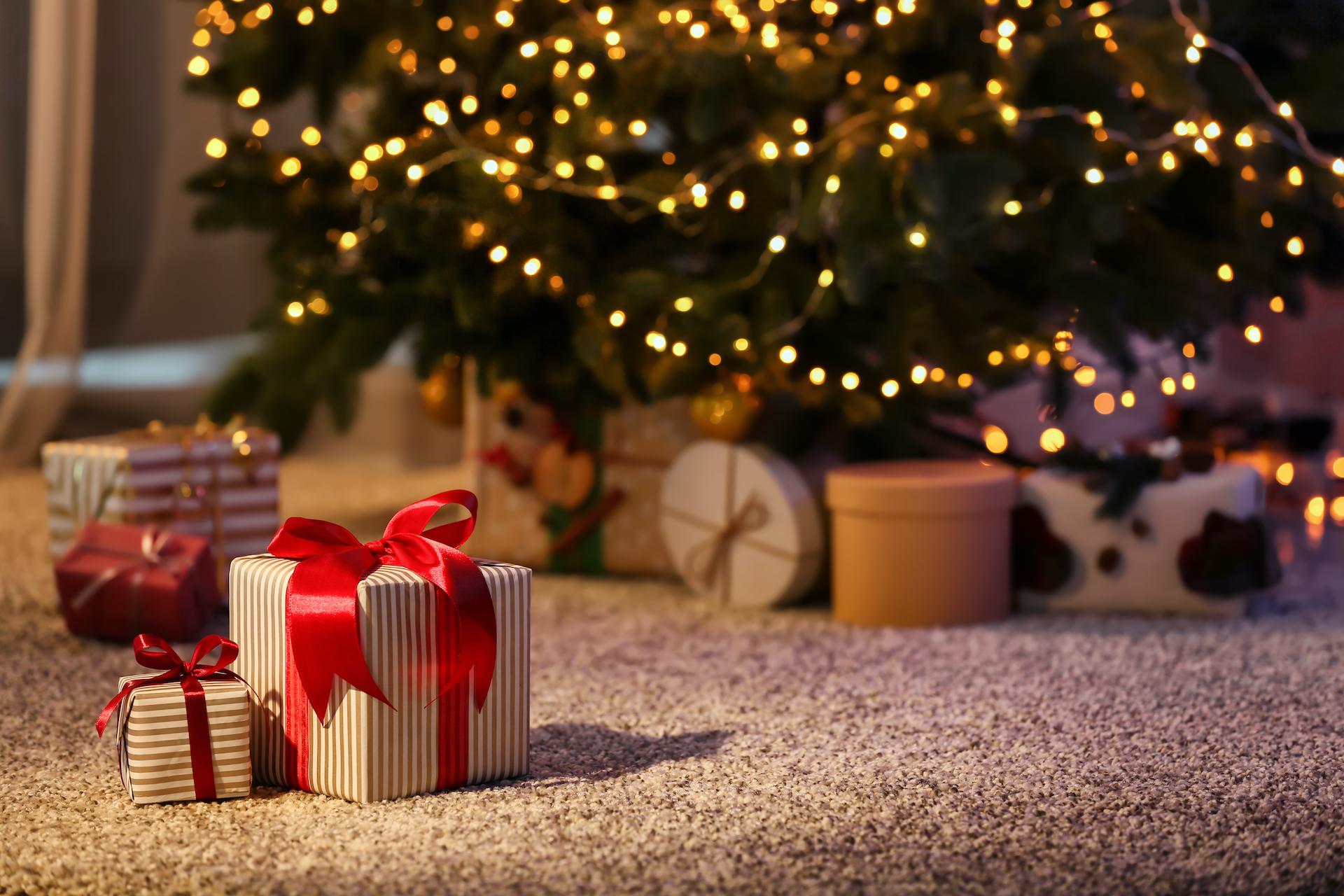 SHOPAHOLIC SANTA: 5 Christmas gifts to buy this year